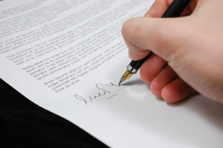 merchant signing contract